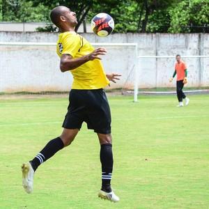 Rio branco-SP Tigre Treino Série A2 Bruno Correa (Foto: Sanderson Barbarini / Foco no Esporte)