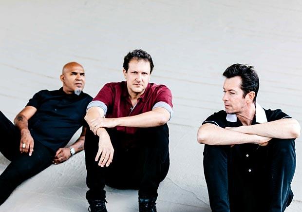 Clemente, Philippe Seabra e André X, da banda Plebe Rude (Foto: Breno Galtier/Divulgação)
