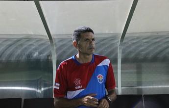 João Carlos Cavalo critica arbitragem, horário de jogo e vibra com reação