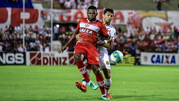 Lúcio Maranhão CRB (Foto: Ailton Cruz/Gazeta de Alagoas)