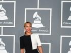 Elegância e profusão de cores em cena no Grammy 2013, em Los Angeles