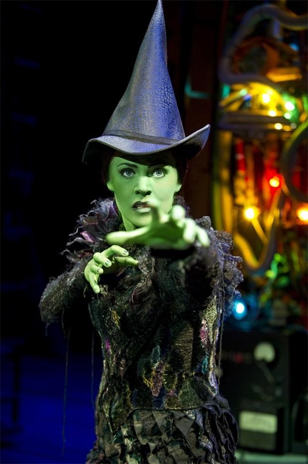 Rachel Tucker como Elphaba em Wicked (Foto: Reprodução/)