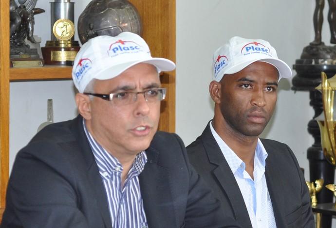 Comissão técnica Tupi-MG Éder Bastos, Fabinho, Ricardo Leão (Foto: Tupi/Divulgação)