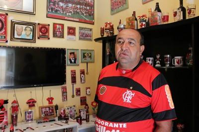 Lucenildo Lima espalha a paixão pelo time em todos os cantos da casa (Foto: Emerson Rocha)