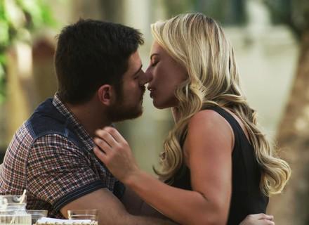 Zeca e Jeiza reatam namoro, mas adiam noivado: 'Não deu certo'