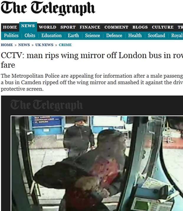 Inglês é filmado socando o vidro de proteção da porta de ônibus (Foto: Reprodução)
