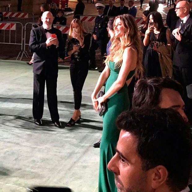 Gisele chega ao red carpet! (Foto: Reprodução/Instagram)