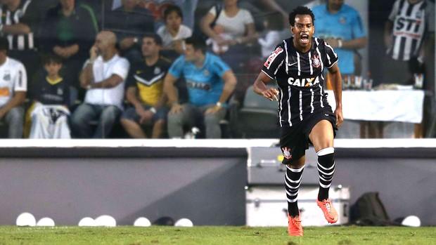 Gil comemora gol do Corinthians contra o Santos (Foto: Marcos Ribolli)