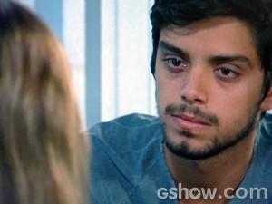 Marlon quer que Lili vá embora com ele (Foto: Além do Horizonte/TV Globo)