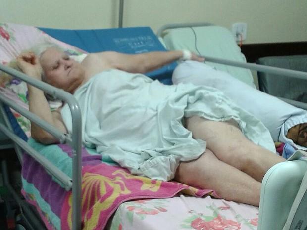 Antônia da Costa Pereira está internada com a perna quebrada no Hospital de Taguatinga desde o dia 5 de setembro (Foto: Arquivo pessoal/Divulgação)