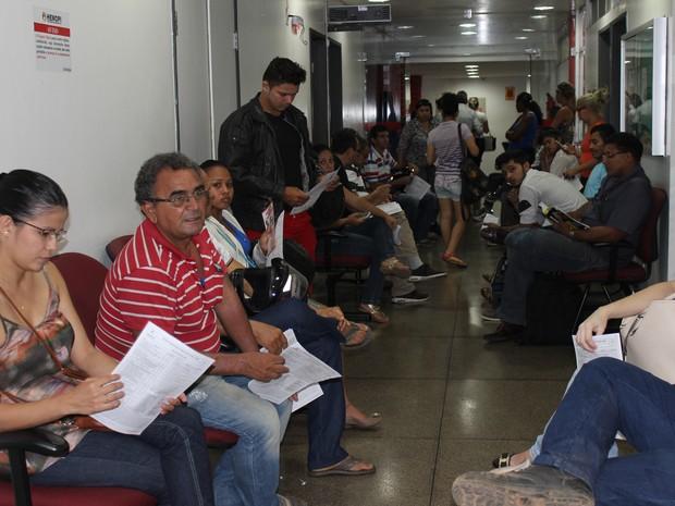 Dezenas se mobilizam para doar sangue à vítima de Castelo do Piauí (Foto: Fernando Brito/G1)