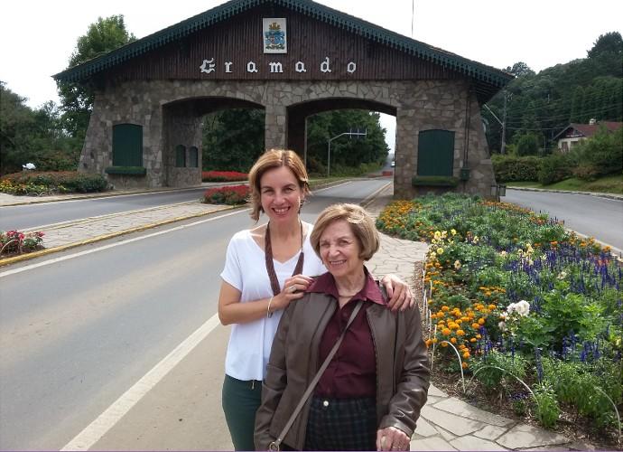 Nas férias deste ano, Teresa Freitas e dona Maria Teresa estiveram na Serra Gaúcha (Foto: Teresa Freitas/ Arquivo Pessoal)