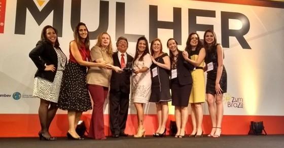 Representantes do Laboratório Sabin, campeão do GPTW Mulher entre as grandes empresas (Foto: ÉPOCA)