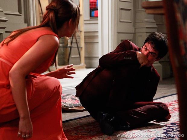 Os dois irm�os se confrontam seriamente (Foto: Ellen Soares / TV Globo)