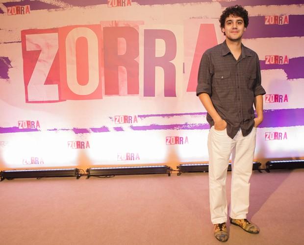 Com diferentes personagens, George Sauma faz sucesso em novo Zorra (Foto: Tata Barreto / TV Globo)