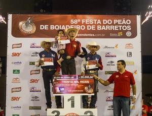 Edevaldo da Silva Ferreira ganha prêmio de R$ 30 mil em Barretos (Foto: Alfredo Risk)
