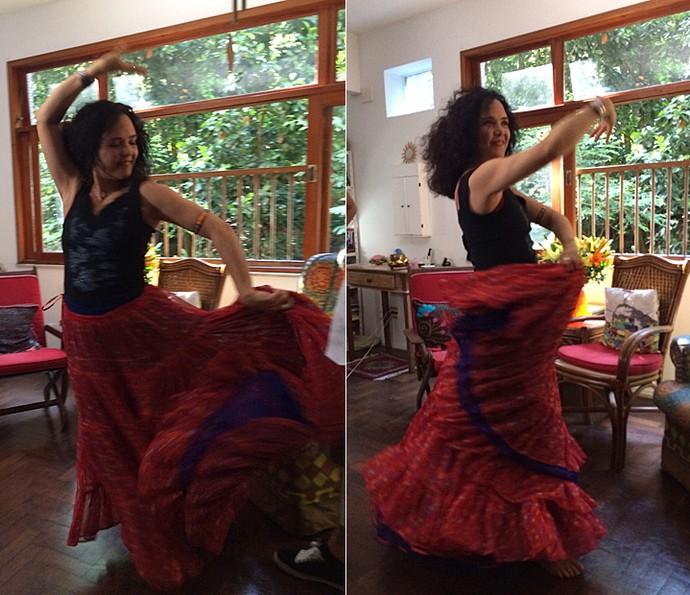 Tereza Seiblitz mostra passos de dança cigana (Foto: Vídeo Show / Gshow)
