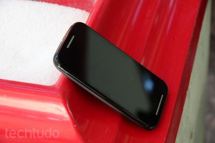 O Moto E chega ao mercado dando continuidade ao legado do Moto G como smart econômico (Foto: Laura Rezende /TechTudo)