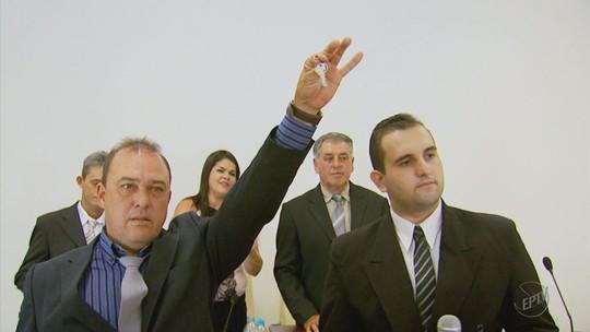 Mais votados de 3 cidades do Sul de MG não assumem cargos de prefeito
