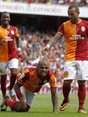 felipe melo Sneijder galatasaray x porto (Foto: AFP)
