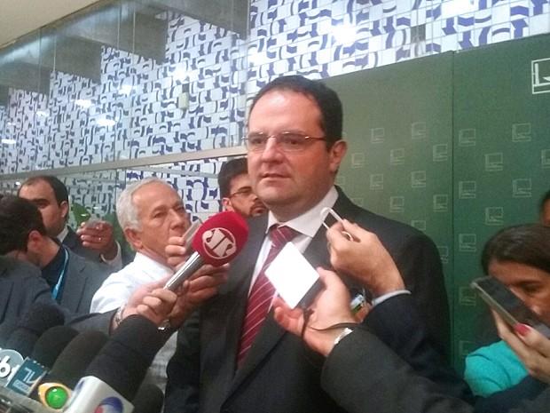 Nelson Barbosa concede entrevista coletiva após reunião com Eduardo Cunha (Foto: Nathalia Passarinho / G1)