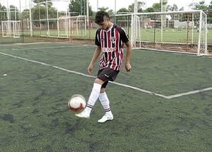 O jovem já conquistou quatro títulos internacionais com o tricolor paulista  (Foto: Reprodução/TV Anhanguera)