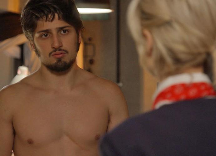 Rafael mostra cicatriz e conta para Lu sobre acidente que matou Sofia (Foto: TV Globo)