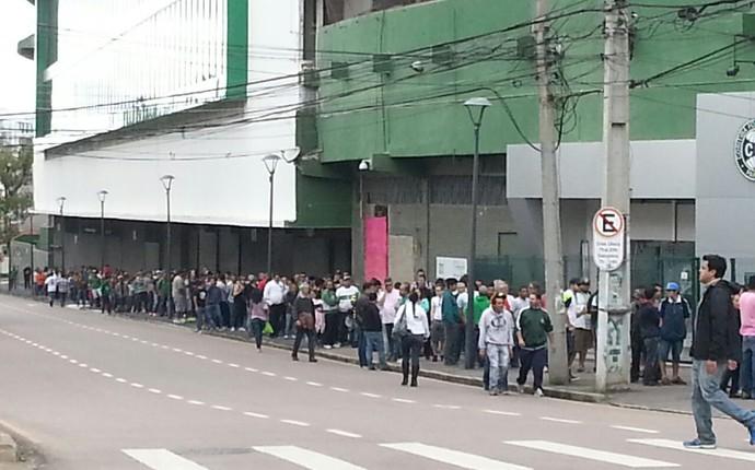 Fila Couto torcida Coritiba (Foto: Jairton Conceição)
