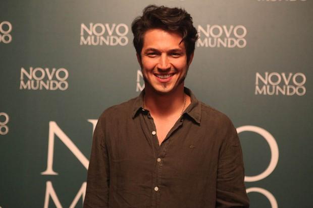 Rômulo Estrela - Coletiva da novela Novo Mundo (Foto: Anderson Barros / Ego)