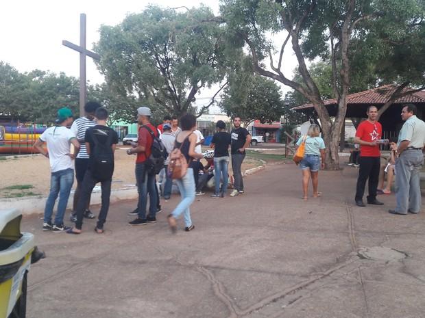 Manifestantes se reúnem na região sul da capital (Foto: Mariana Ferreira/G1 TO)