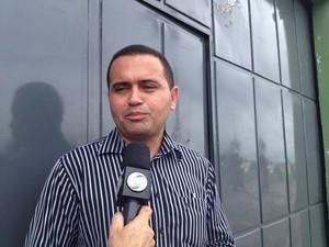 Capitão Denio Marinho explica como crime ocorreu. (Foto: Gilcilene Araújo/G1)