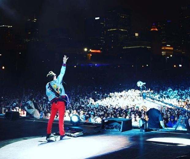 Muse se apresenta no Lollapalooza Chicago 2017 debaixo de chuva (Foto: Reprodução/Instagram)