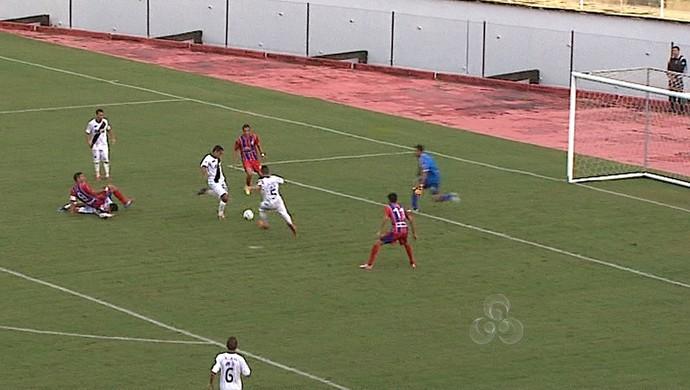Plácido de Castro 1x3 Vasco-AC no Florestão 1ª rodada Acreano 2014 (Foto: Reprodução/TV Acre)