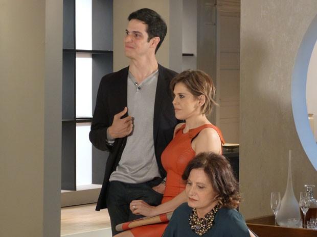 Félix detesta descobrir a vocação da sobrinha... (Foto: Amor à Vida/TV Globo)