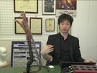 No Japão, pesquisador de próteses desenvolve terceiro braço