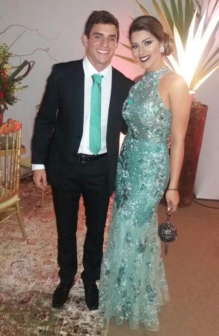 Vivian e Manoel combinam looks para o casamento de Elis (Foto: Gshow)