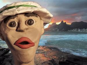 Em clipe divulgado na internet, a Trepa no Coqueiro inseriu o seu mascote em vários cenários da Cidade Maravilhosa (Foto: Trepa no Coqueiro / Divulgação)