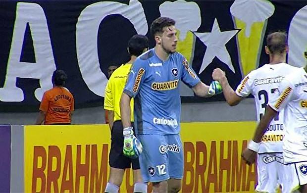 Botafogo x Corinthians - Helton Leite (Foto: Reprodução)