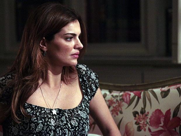 Elisa fica sem reação com desconfiança de Rodrigo (Foto: Amor Eterno Amor/TV Globo)