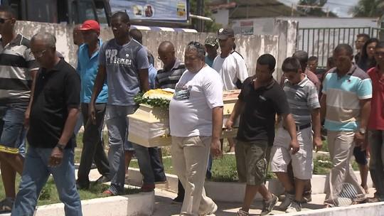 Vítima de explosão que morreu em hospital é enterrada na Bahia