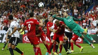Polônia segura a Alemanha e jogo termina no 0 a 0 pelo Grupo C da Eurocopa (REUTERS/Kai Pfaffenbach )