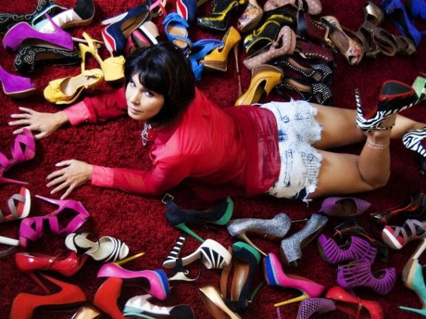3df0380f6 G1 - 'É paixão de infância', diz professora com mais de mil sapatos ...