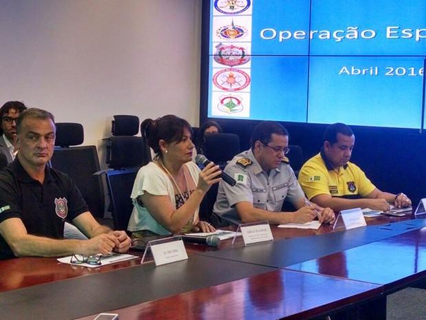 A secretária de Segurança Pública do DF, Márcia Alencar, durante coletiva sobre esquema policial durante votação do processo de impeachment da presidente Dilma Rousseff (Foto: Fernando Caixeta/G1)