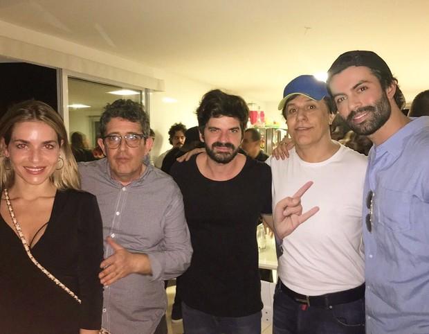 Monique Alfradique, Alejandro Jayme, o diretor do Portas dos Fundos Magal, Tom Cavalcante e Guilherme Acrizio (Foto: Reprodução/Instagram)