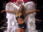 Michelly Crisfepe mostra músculos em foto sensual de 'angel', nos EUA