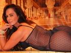 Núbia Óliiver posa de lingerie em ensaio ousado