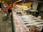 Em Belém, supermercados e bancos funcionam em horário especial