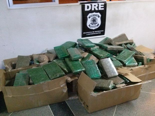 Droga estava escondida dentro de carro que saiu de São Paulo (Foto: PRF/Divulgação)