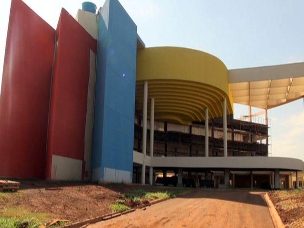 Hospital Regional de Piracicaba; contrato de obra foi rompido pela Prefeitura (Foto: Edijan Del Santo / EPTV)
