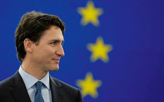 VIGOR Justin Trudeau foi eleito primeiro-ministro do Canadá com 43 anos. Em algumas democracias ocidentais, jovens têm assumido as chefias de governo  (Foto: Vincent Kessler/Reuters)